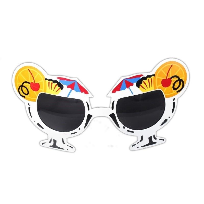 Solbrille med dessertglas og pynt